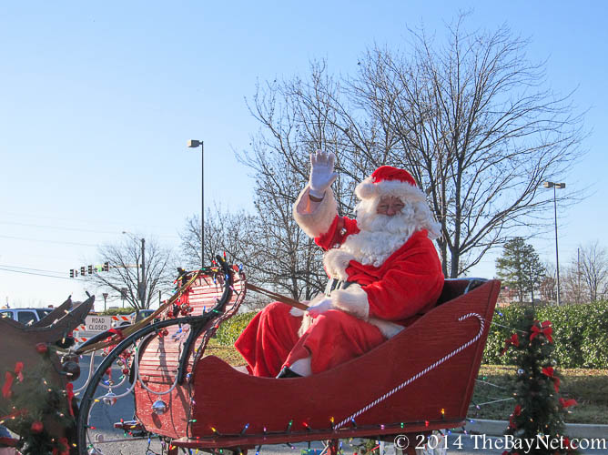 Calvert christmas parade features classics for Frederick county fairgrounds christmas craft show