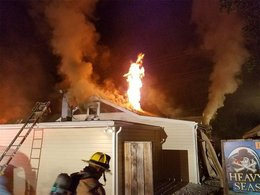 Firefighter injured battling early morning blaze