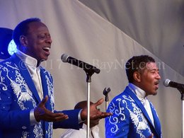 A mighty high note – Spinners 'Rock the Dock'