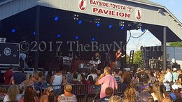 Hayes amazes as live shows return to St. Leonard